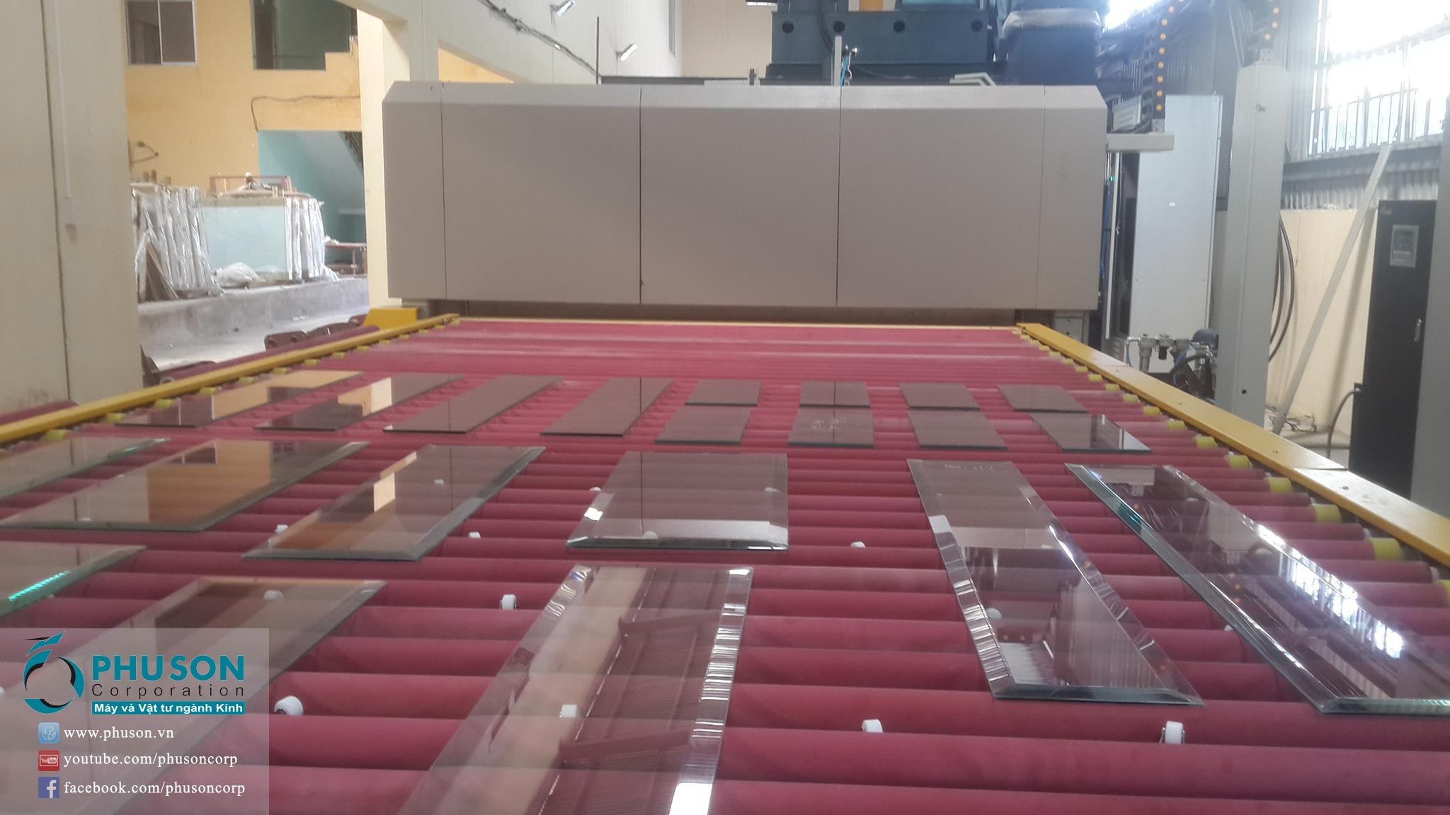 Hoàn thành việc chuyển giao công nghệ cho nhà máy SX Kính cường lực LOC THO GLASS