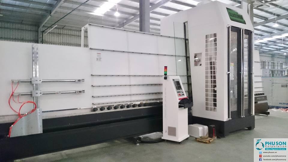 Máy trung tâm CNC 5 trục 2 chiều dạng đứng tại nhà máy 2 EUROWINDOW