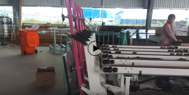 Robot unloads YINRUI glass from the cutting line at the THIEN PHU GLASS factory