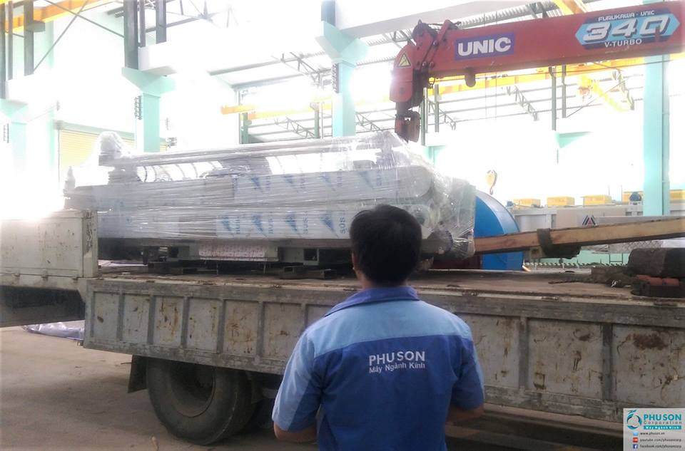 Hiseng automatic glass four side polished edging line at HAI NAM GLASS.