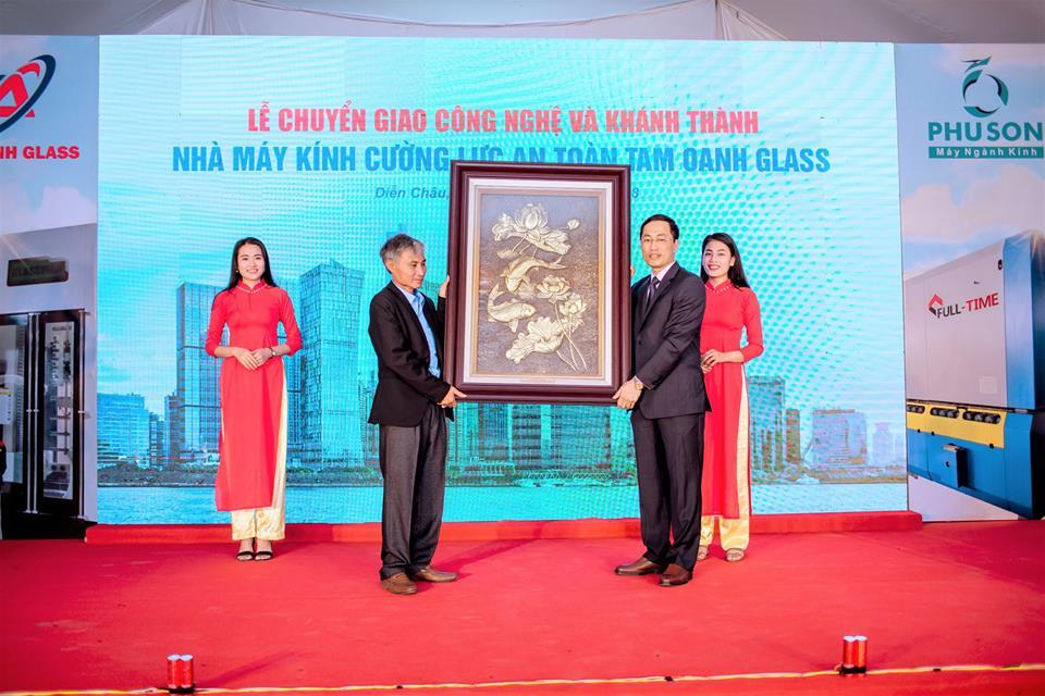TAM OANH GLASS - 24