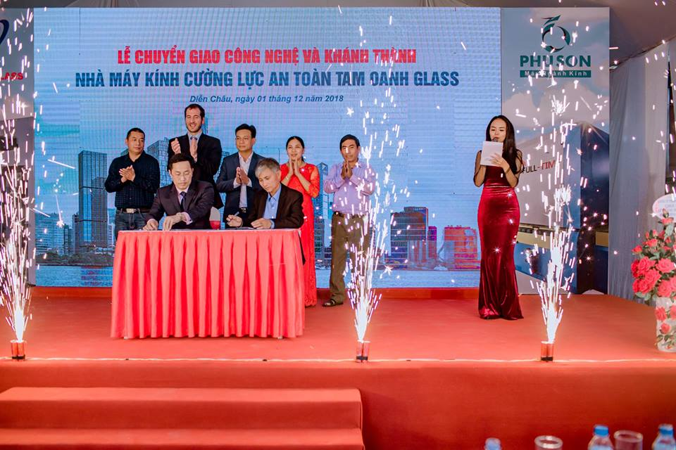 TAM OANH GLASS - 32